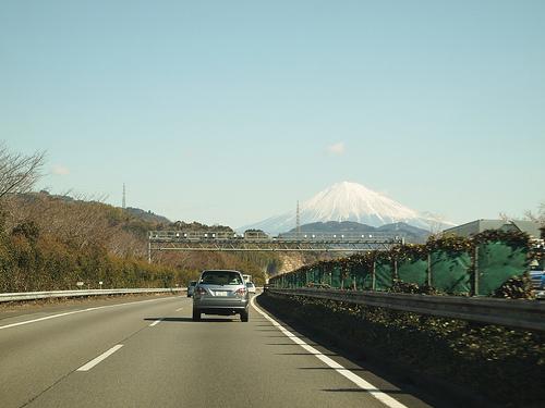富士山 東名高速(上)でいちばんきれいに撮れる場所