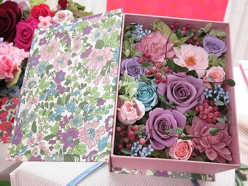 【母の日ギフト2012】リバティ柄プリント+お花のユニークな組み合わせ