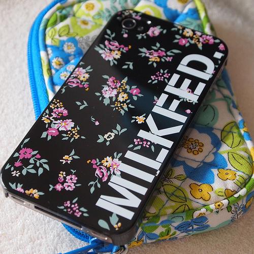 iPhone 4s にMILK FED.♪