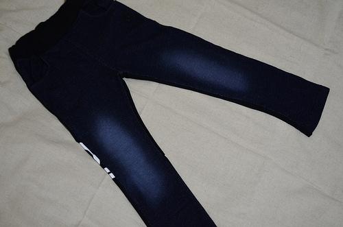 [子供服] ベビードールのデニムパンツ♪履き心地などレポ